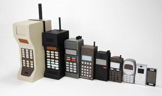 sejarah dan perkembangan handphone di indonesia